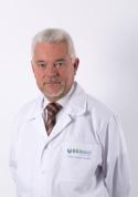 Gydytojas. Chirurgas. Specialistas į homotoksikologija srityje.